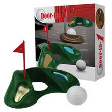 Golfov� jamka do dver�